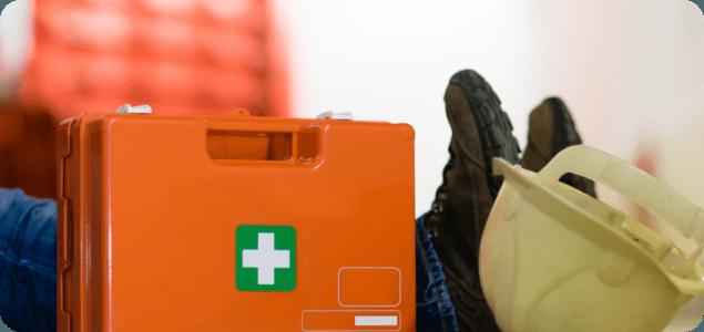 Wyposażenie apteczki pierwszej pomocy. Czego nie może zabraknąć pracownikom Twojej firmy?